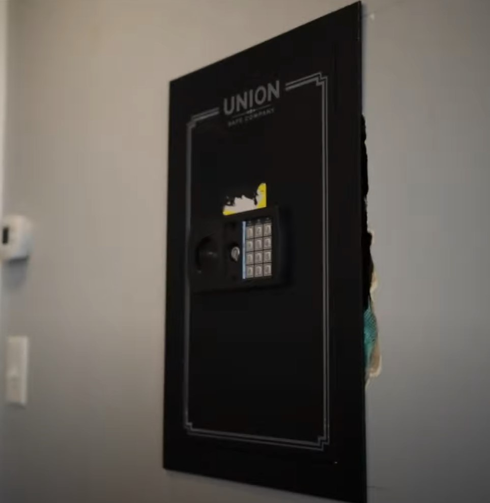 How To Bolt A Gun Safe To The Wall?